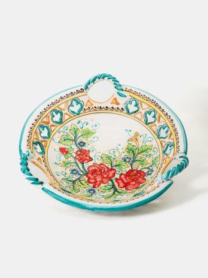 Centrotavola con tre manici intrecciati realizzato a mano da Terrecotte del Sole, smalto bianco opaco, decorato con motivo floreale a vernice opaca.