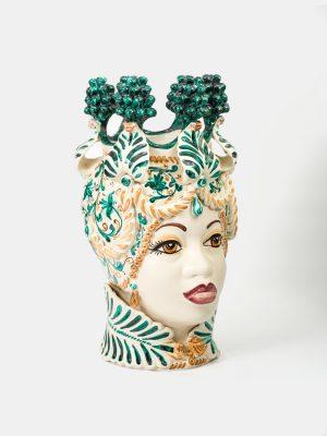 Testa di Moro afro donna con corona e pigne, decorata in verde ramina.