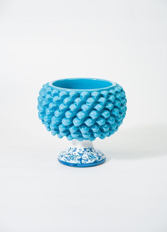 Pigna portapianta realizzata a mano da Terrecotte del Sole, colore turchese, decoro floreale.
